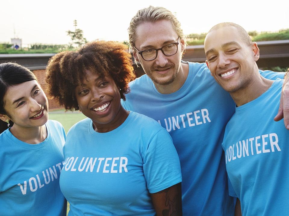 Gruppebillede af frivillige