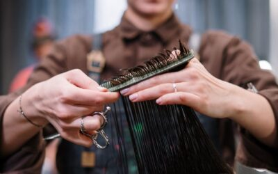 Find en billig frisør og spar penge til din næste frivillig-rejse